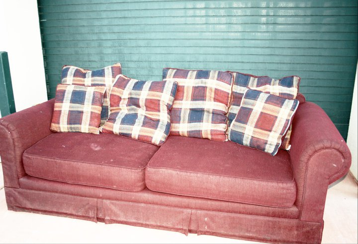 uglysofa1.jpg